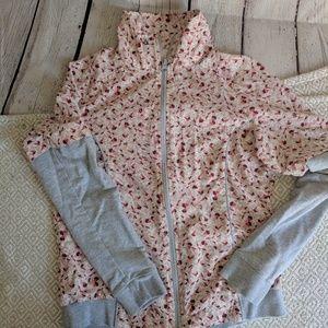 ♥️Gianni Bini zip up jacket ♥️